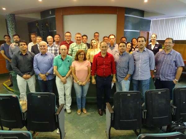 Conselheiros do Coema posam para a foto histórica de fim de ano