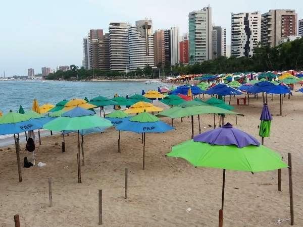 Praia do Meireles, própria para banho