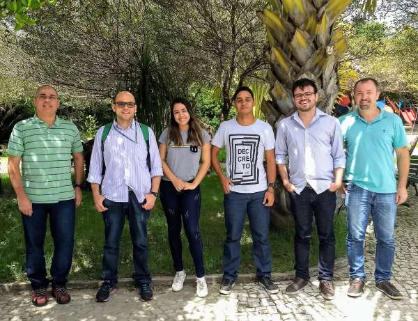 Instrutor e alunos do treinamento do Sinaflor em São Gonçalo do Amarante