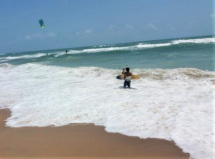 Praias do litoral oeste estão livres de óleo