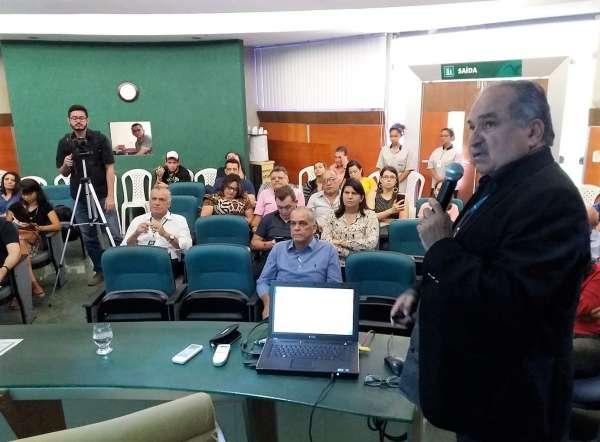Diretor da Cagece fala nos Diálogos Ambientais