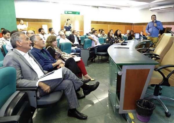 Representante do complexo de usinas apresenta projeto ao Coema