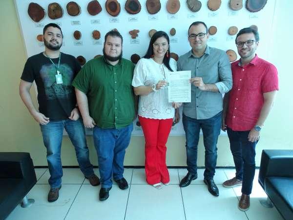 Representantes da Semace e do IMMAB assinam parceria para a transferência tecnológica