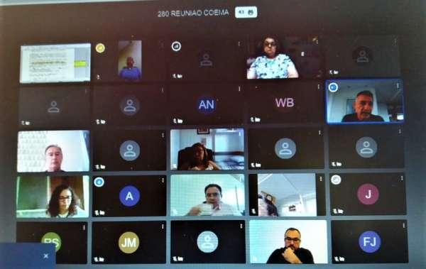 Tela de computadpr mostra a sessão virtual do Coema